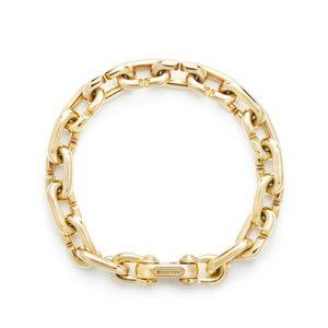 Chain Link Bold Bracelet in 18K Gold alternative image