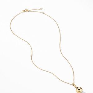 Pendant Necklace in 18K Gold alternative image