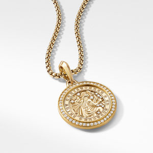 St. Christopher Amulet in 18K Yellow Gold with Pavé Diamonds alternative image